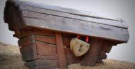 Baul de madera con candado